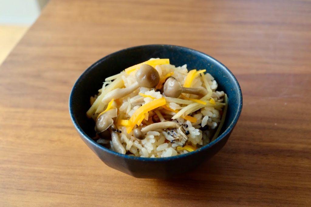 あったか♪きのこの炊き込みご飯【週末の作り置きレシピ】