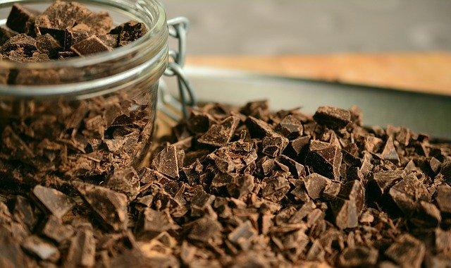 カカオ70%以上のチョコレートがおすすめ