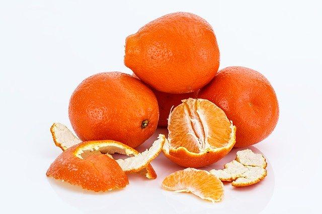 果物を摂るのであれば 果物ジュースではなく、生のまま食べるほうがよい