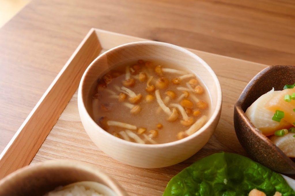 なめこの味噌汁【平日の時短ごはんレシピ】