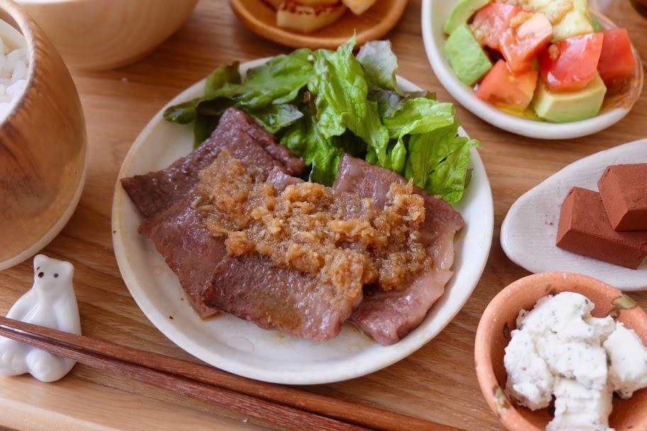 牛肉のおろしポン酢ソース【平日の時短ごはんレシピ】