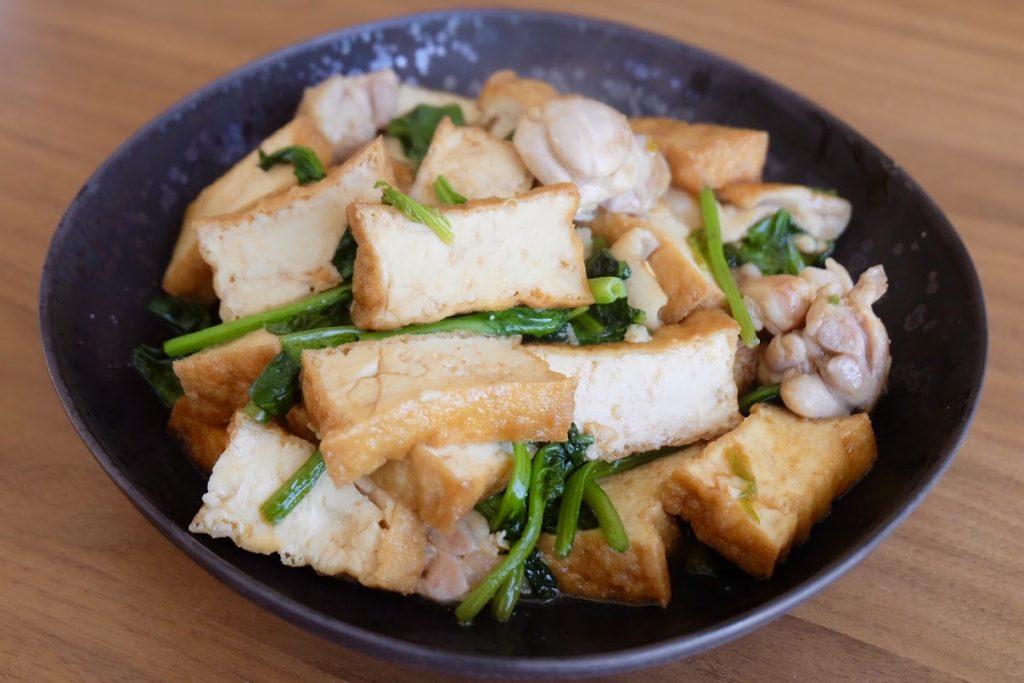 厚揚げと鶏肉のピリ辛炒め【平日の時短ごはんレシピ】