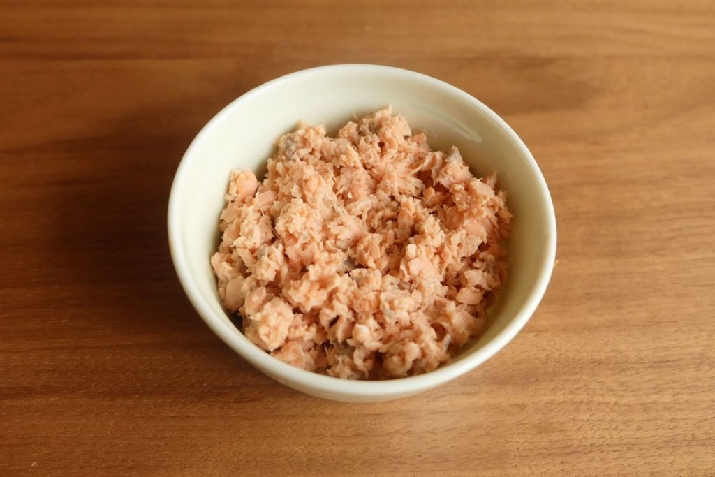 しっとり♪鮭そぼろ【週末の作り置きおかずレシピ】