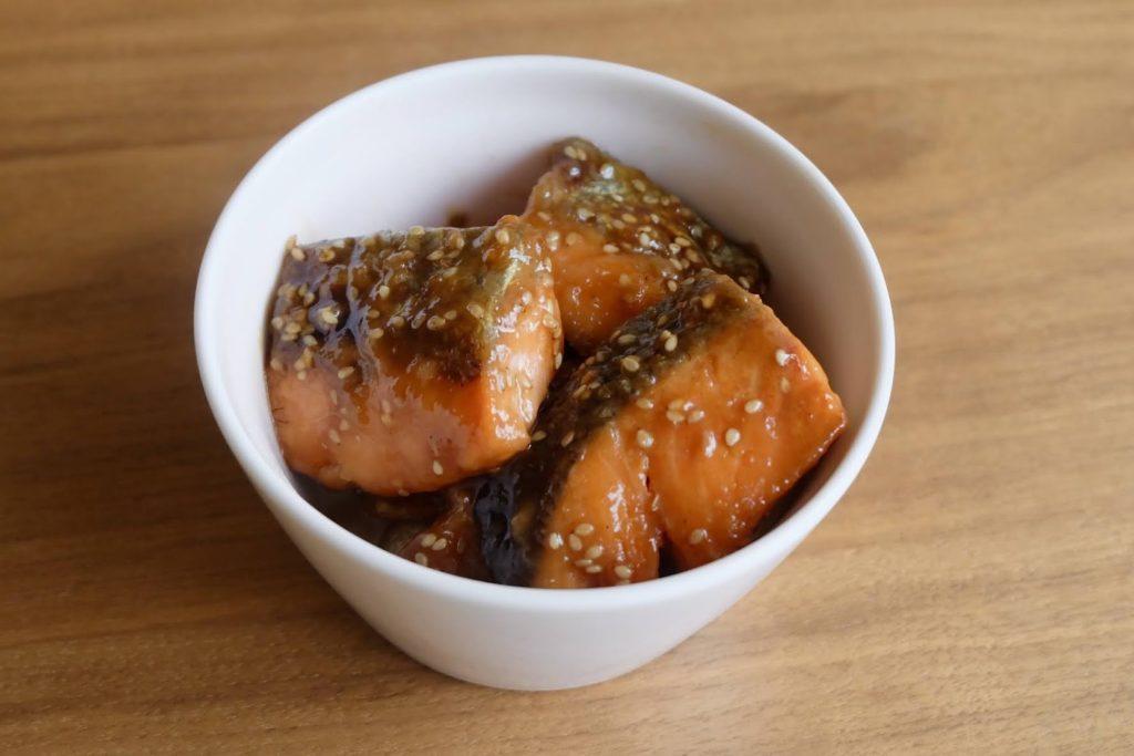 簡単♪鮭のごま甘酢照り焼き【週末の作り置きおかずレシピ】