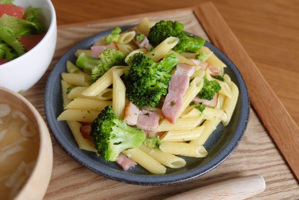 簡単♪ブロッコリーとベーコンのパスタ【だしうまレシピ】