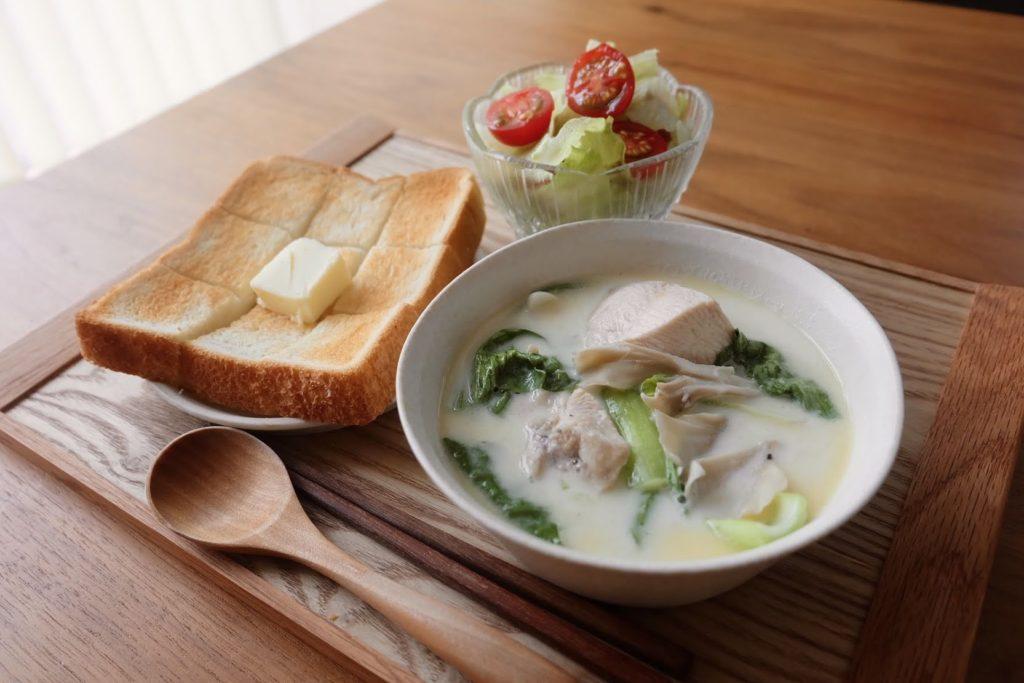 簡単♪鶏肉と野菜のミルクスープ【平日の時短ごはんレシピ】