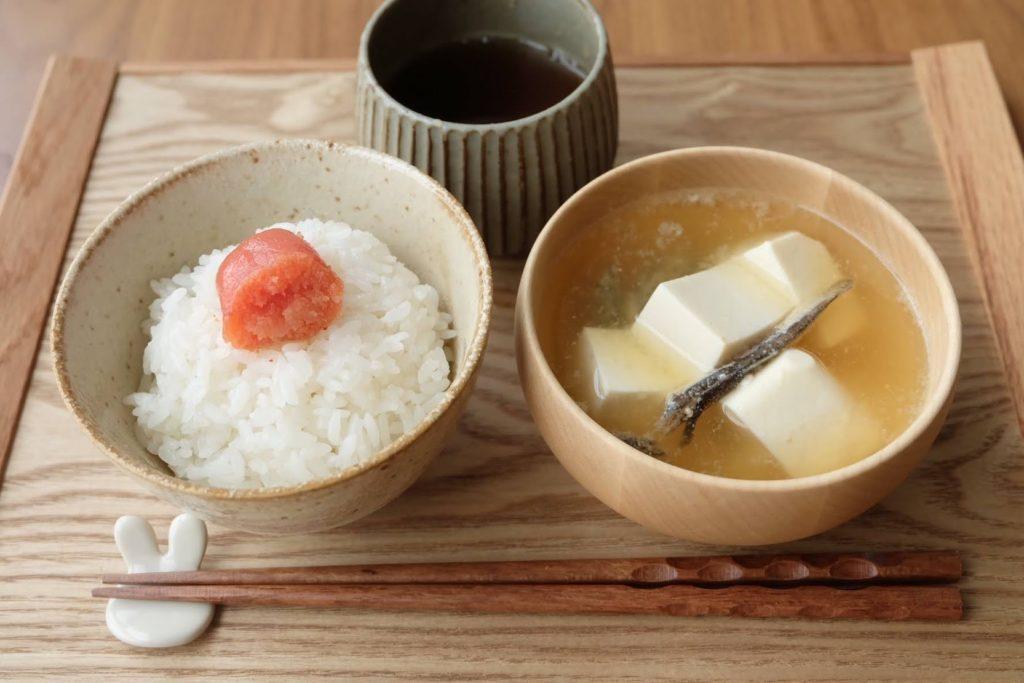 【昆布×煮干し】ほっとする豆腐の味噌汁【だしうまレシピ】