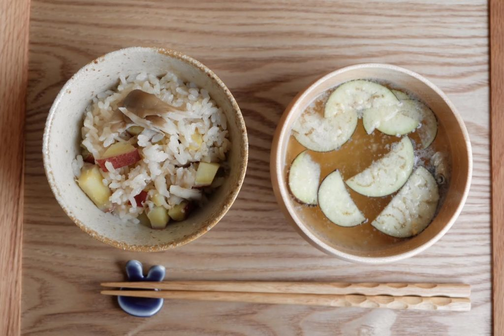 フレッシュ感を味わう♪なすの味噌汁【だしうまレシピ】