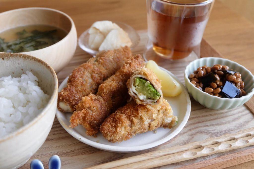 アボカドチーズの豚肉巻きフライ【時短レシピ】