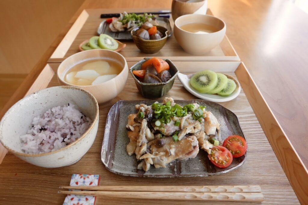 鶏肉ときのこの酒粕焼き【平日の時短ごはんレシピ】