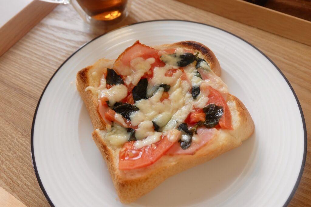 冷凍作り置き♪トマトとベーコンのトースト