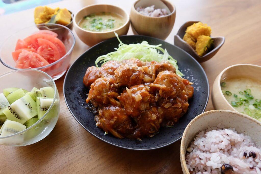 簡単♪ごぼう入り肉団子の甘酢あん【平日の時短ごはんレシピ】
