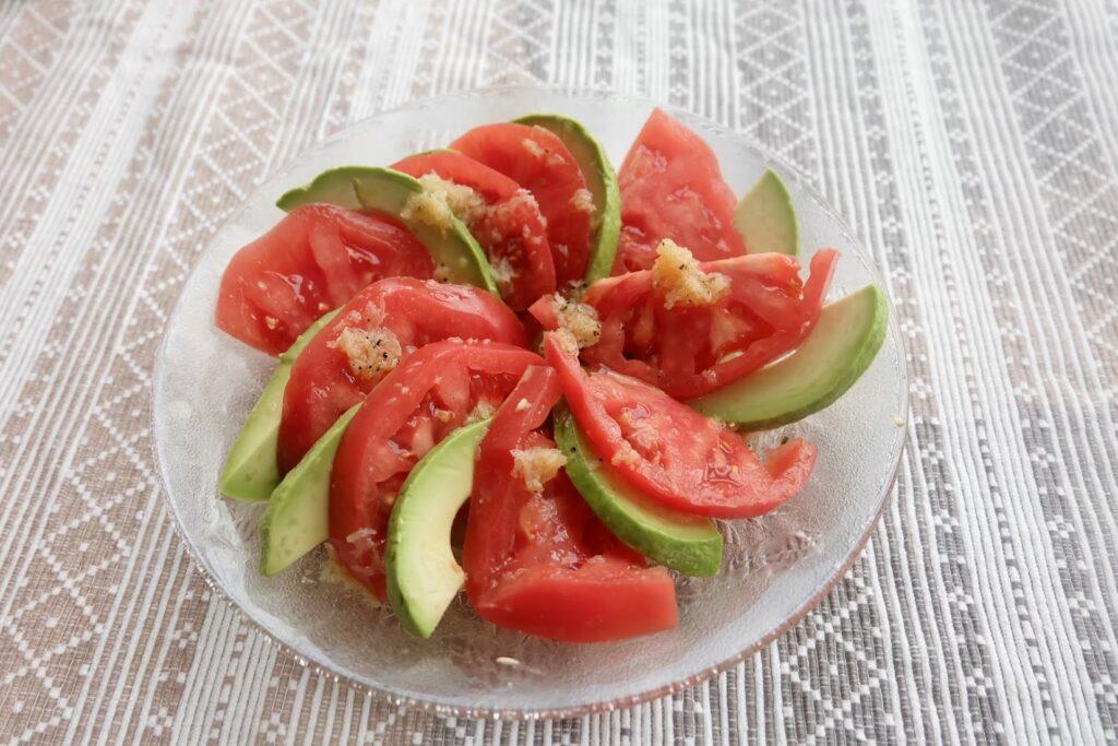 アボカドとトマトのおもてなしサラダ【ごちそうハレの日ごはん】