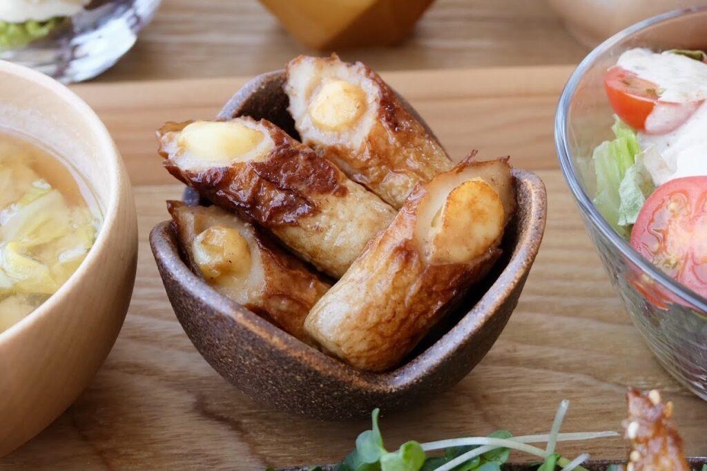 簡単♪チーズ入りちくわの照りマヨ炒め【平日の時短ごはん】