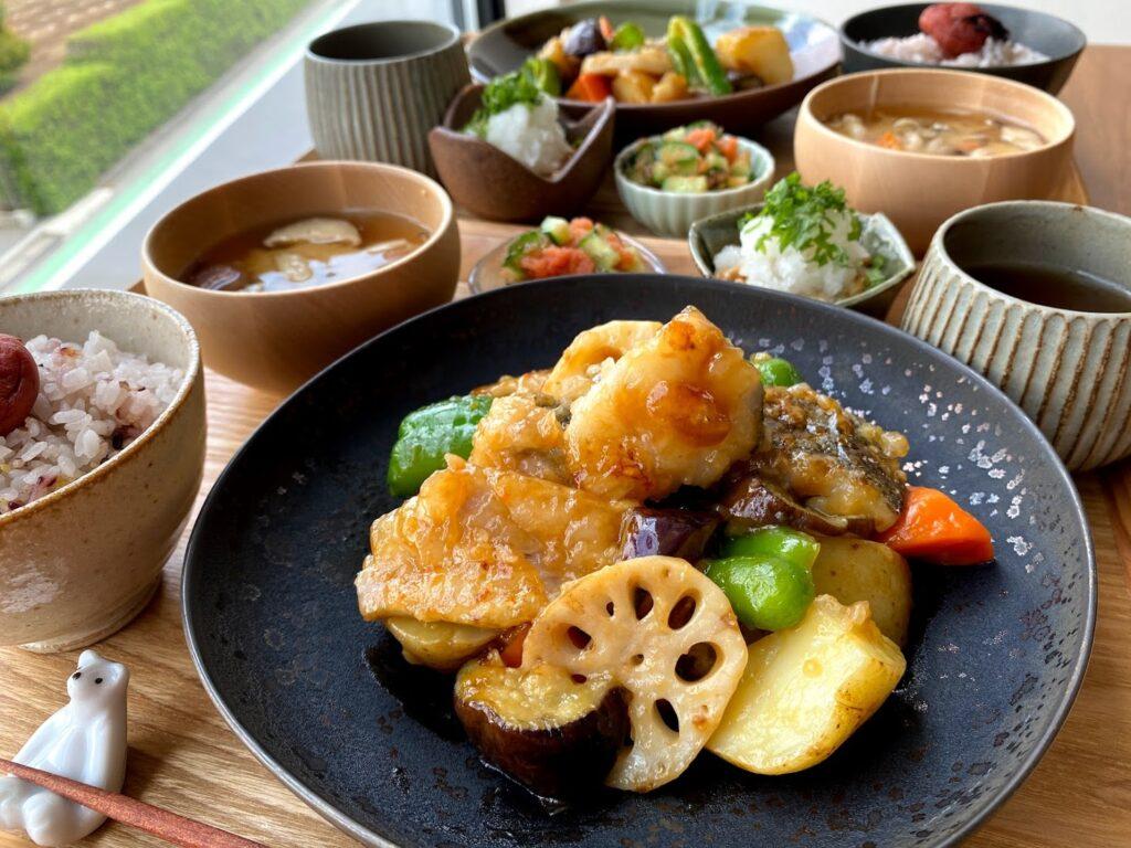 簡単♪鱈と野菜の黒酢あん【平日の時短ごはんレシピ】