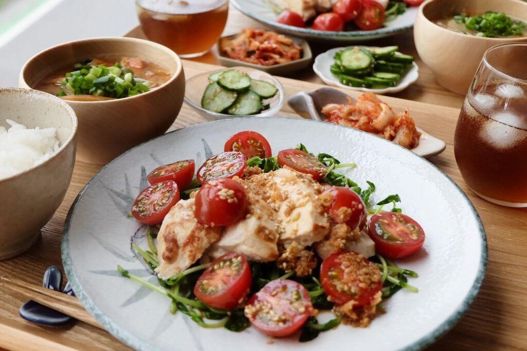 簡単♪鶏むね肉のさっぱりトマトだれ【平日の時短ごはん】
