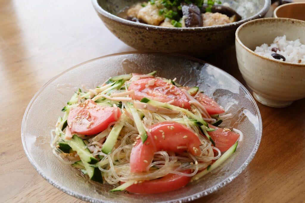 簡単10分♪夏野菜の春雨サラダ【平日の時短ごはん】